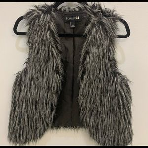 Faux Fur Vest - Forever 21 Small